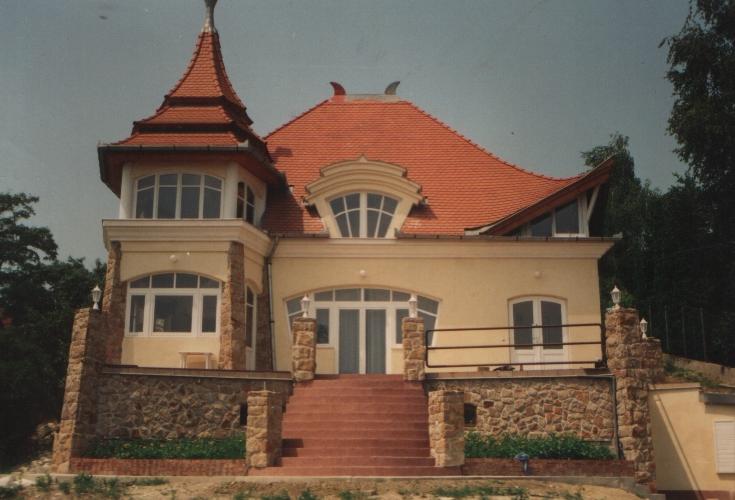 építőipar felújítás, generálkivitelezés, családi ház kivitelezés